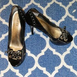 Geuss shoes